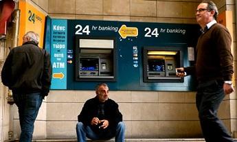 Bank of Cyprus rămâne închisă încă 2 săptămâni