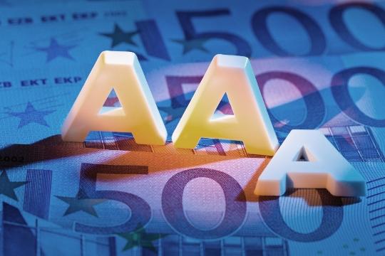 Alternativă la serviciile Fitch, S&P şi Moody's