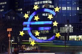 Semne rele: producţia şi serviciile din zona euro, la cel mai încet ritm de creştere din 2014