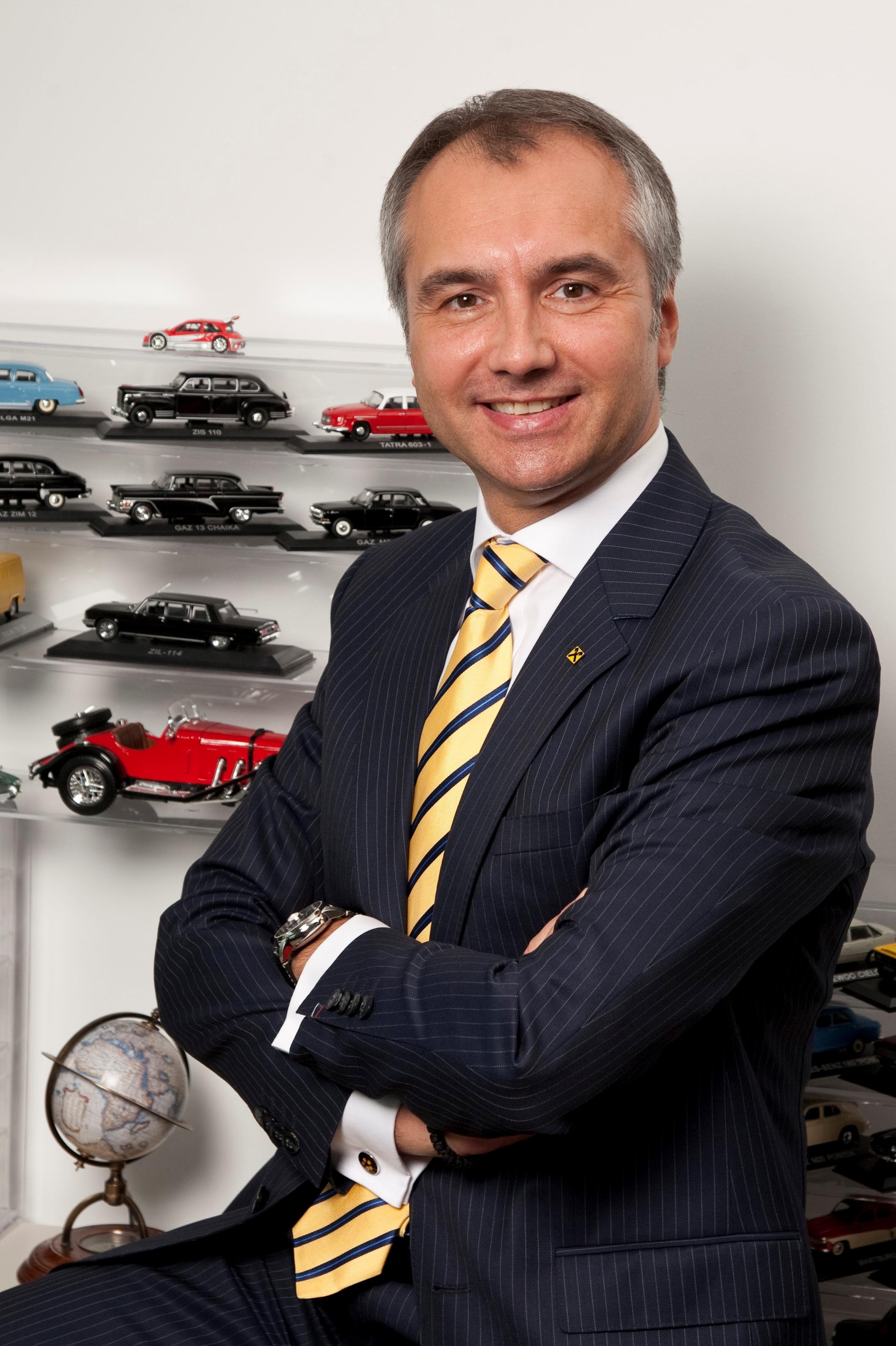 Raiffeisen Leasing împrumută de la BERD 132 de milioane de Lei