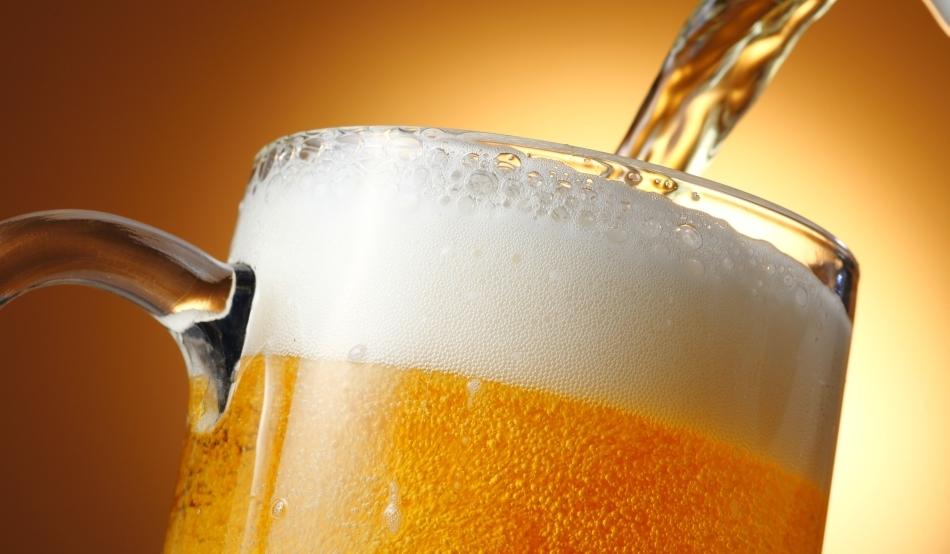 Fiscalitatea taie cheful de bere al românilor