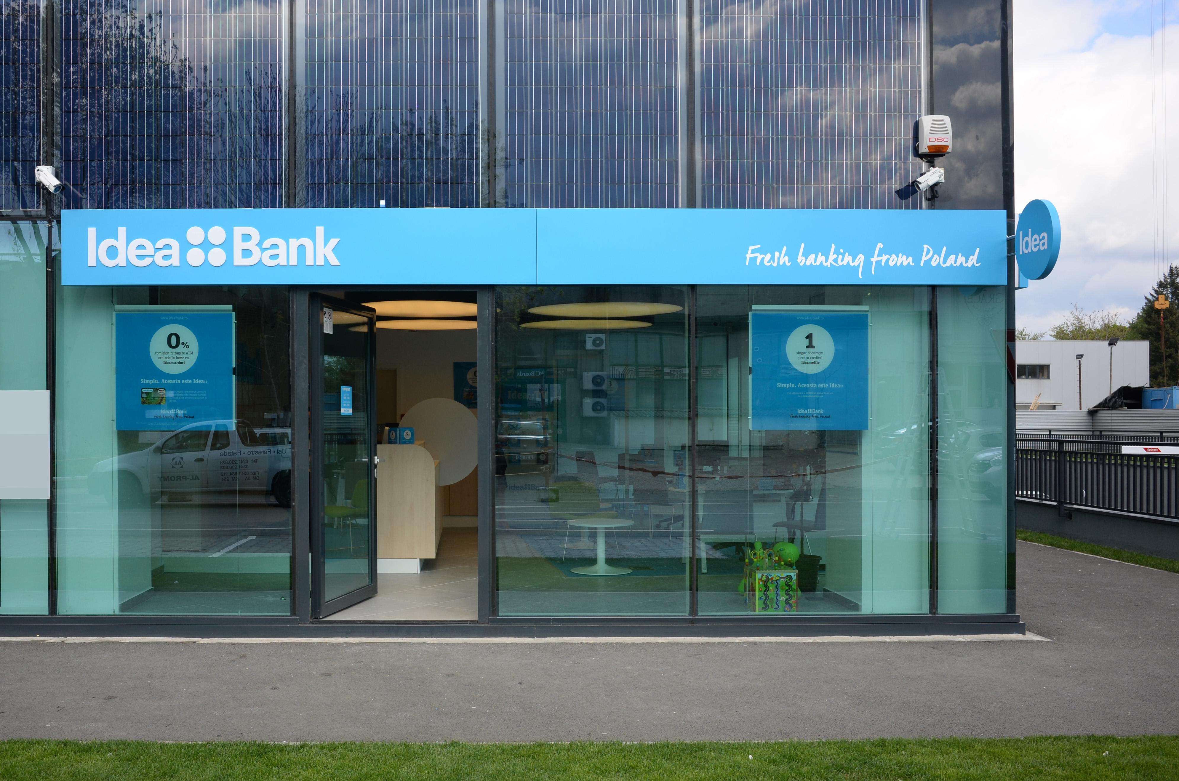Idea Bank anunţă după primul său an de activitate 20.000 de clienţi noi şi carduri de credit la distanţă