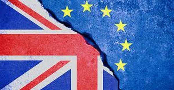 Marea Britanie a votat pentru ieşirea din Uniunea Europeană. Lira s-a prăbuşit