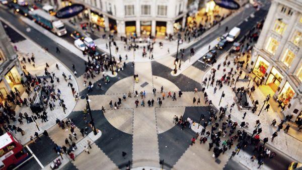 Vânzările cu amănuntul scad semnificativ în UK
