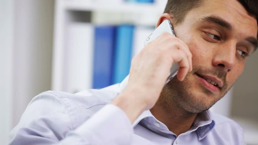 Kaspersky Lab: Bărbaţii nu pot sta departe de telefonul mobil
