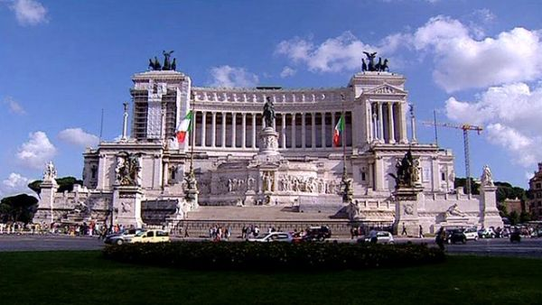 Italia va vinde obligaţiuni cu scandenţa la 50 de ani