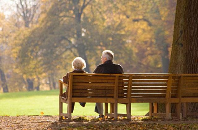 Penalizăm viitorii pensionari pentru plata actualilor pensionari ?