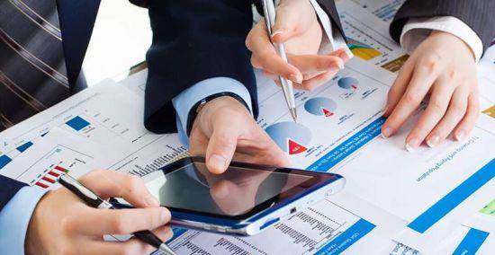Investiţiile în economie au crescut cu 4,1% în primele nouă luni, după o scădere de 0,8% în T3