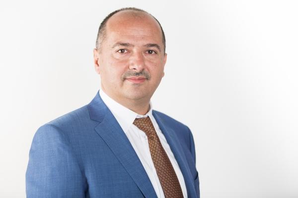 Primite la redacţie: Remus Borza, Deputat independent – România, un jaf generalizat