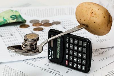 Puterea de cumpărare a depăşit pragul de 1.000 de euro la finele lui 2016