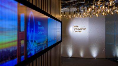 Visa deschide un centru de inovație la Londra și extinde accesul clienților europeni la platforma Visa Developer