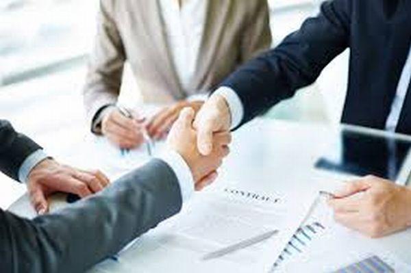 OTP Bank România lansează în parteneriat cu Groupama Asigurări, două produse dedicate clienților ce activează în domeniul agricol
