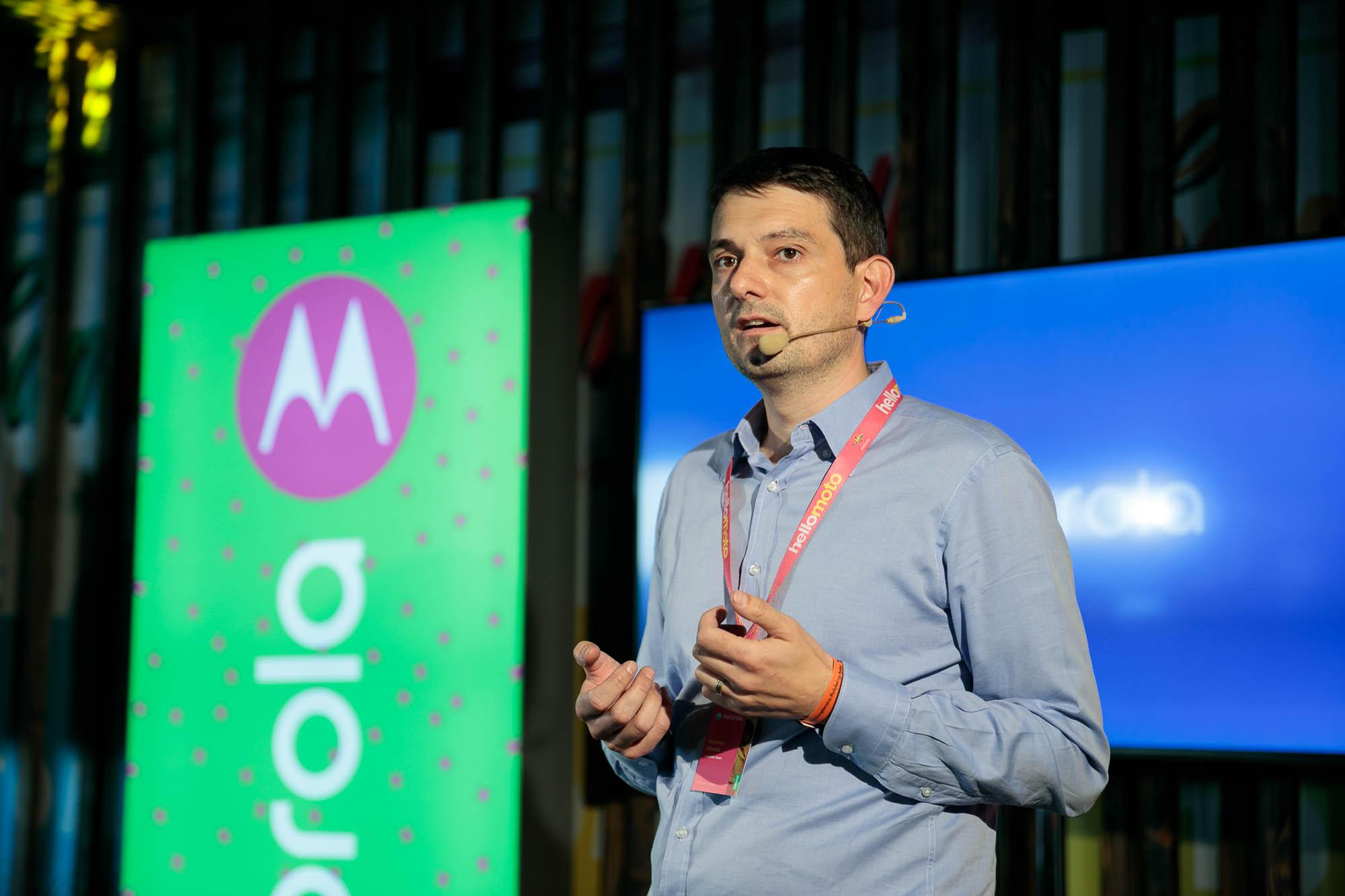 Motorola Mobility a lansat Moto Z2 Play şi Moto Mods şi în România