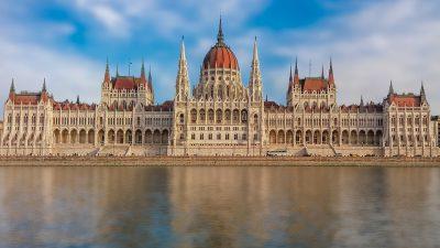 Investițiile străine din România trezesc brusc sentimente europene în Ungaria