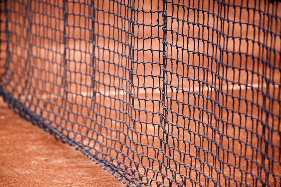 Cum foloseşte asimetria informaţională tenisul drept pretext?