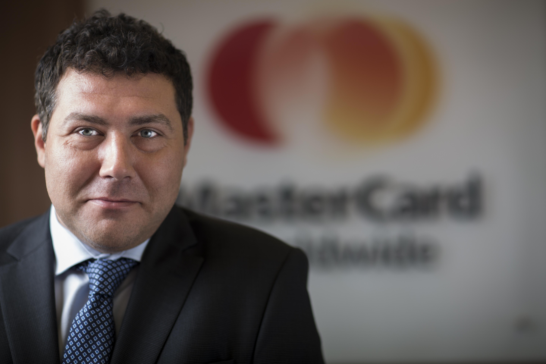 Mastercard salută adoptarea normelor metodologice pentru implementarea legii cash-back