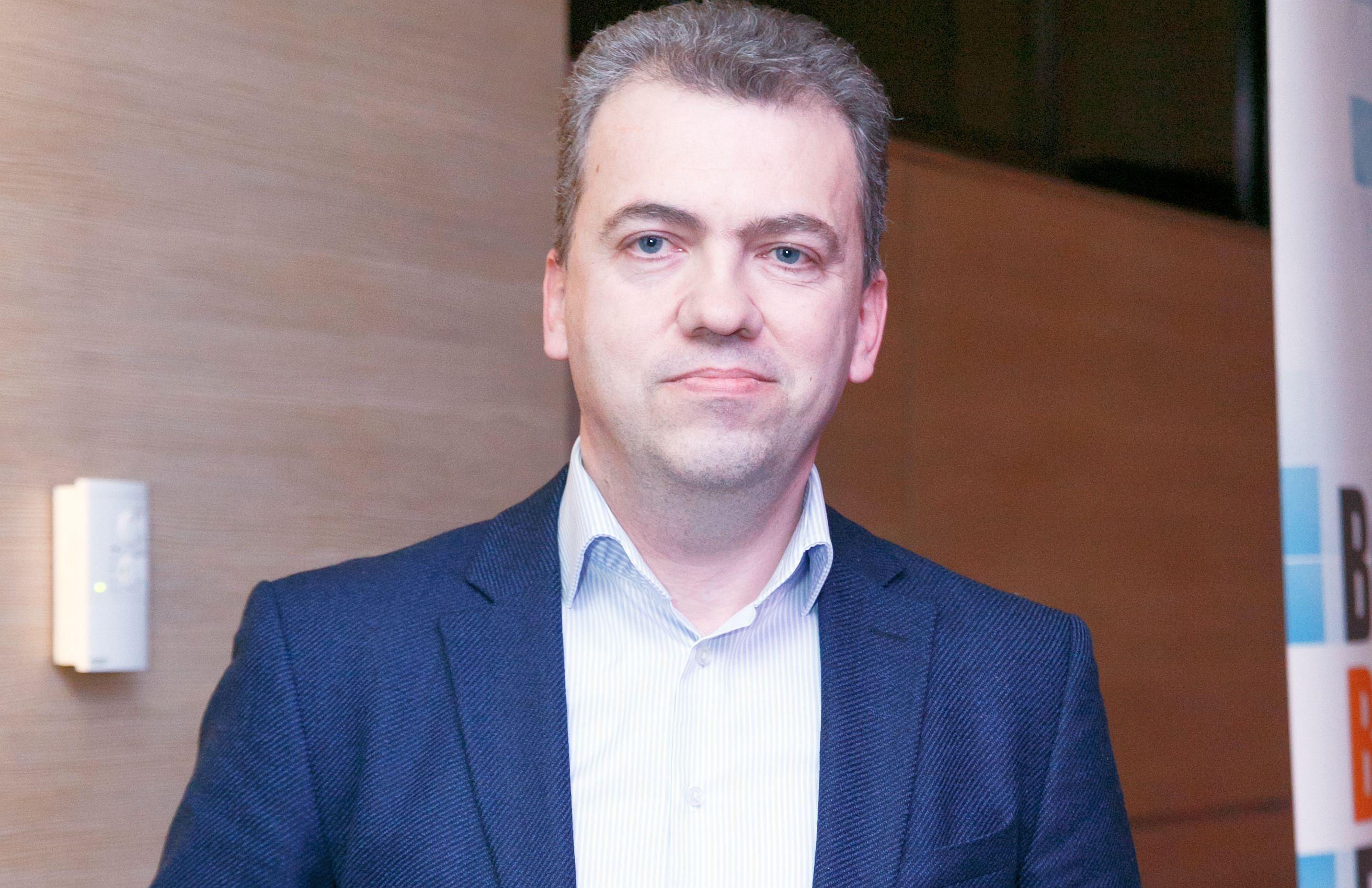 SmartMobile de la Raiffeisen Bank permite autorizarea plăţilor cu amprentă sau cu FaceID