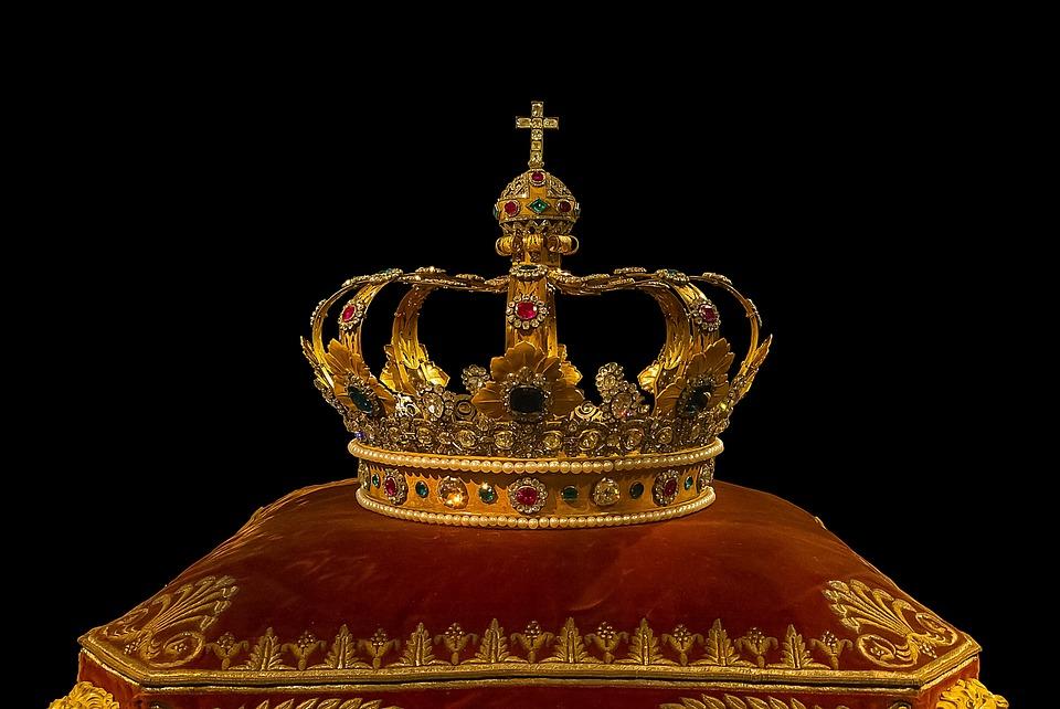 Monarhia a creat România Mare. Tot ea ne-ar putea duce și în zona euro