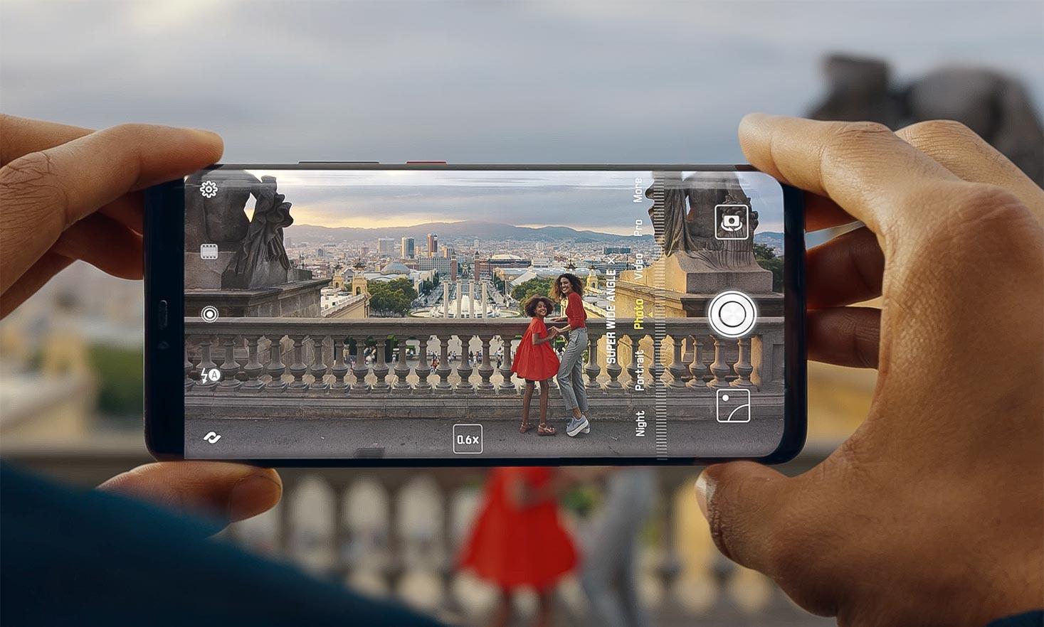 """Huawei anunță că a lansat """"cel mai puternic smartphone din lume """""""