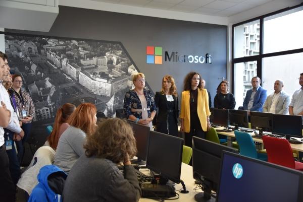 Primul laborator de tehnologii cloud, deschis la Universitatea de Vest Timișoara cu sprijinul Microsoft