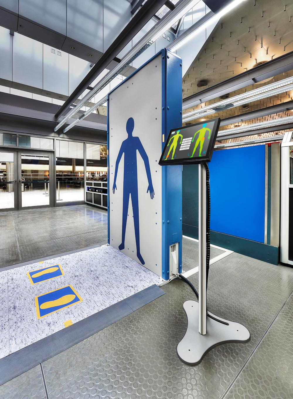 Rohde & Schwarz primeşte certificarea Administrației de Securitate a Transportului (TSA) pentru scanerul de securitate R&S QPS200