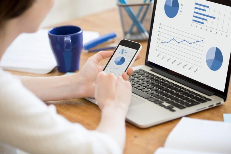 Pachetul StartUp GRATUIT de la BCR oferă încă un beneficiu antreprenorilor la început de drum: servicii complete de contabilitate online de la Keez