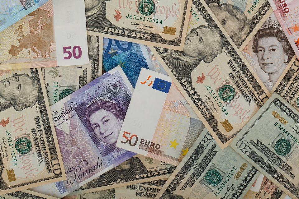 Cotaţia liră sterlină/euro e principalul indicator de încredere