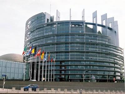 Uniunea piețelor de capital: Consiliul adoptă norme actualizate pentru produsele financiare derivate și pentru compensare