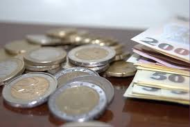 Creditele şi depozitele bancare, în creştere în luna mai