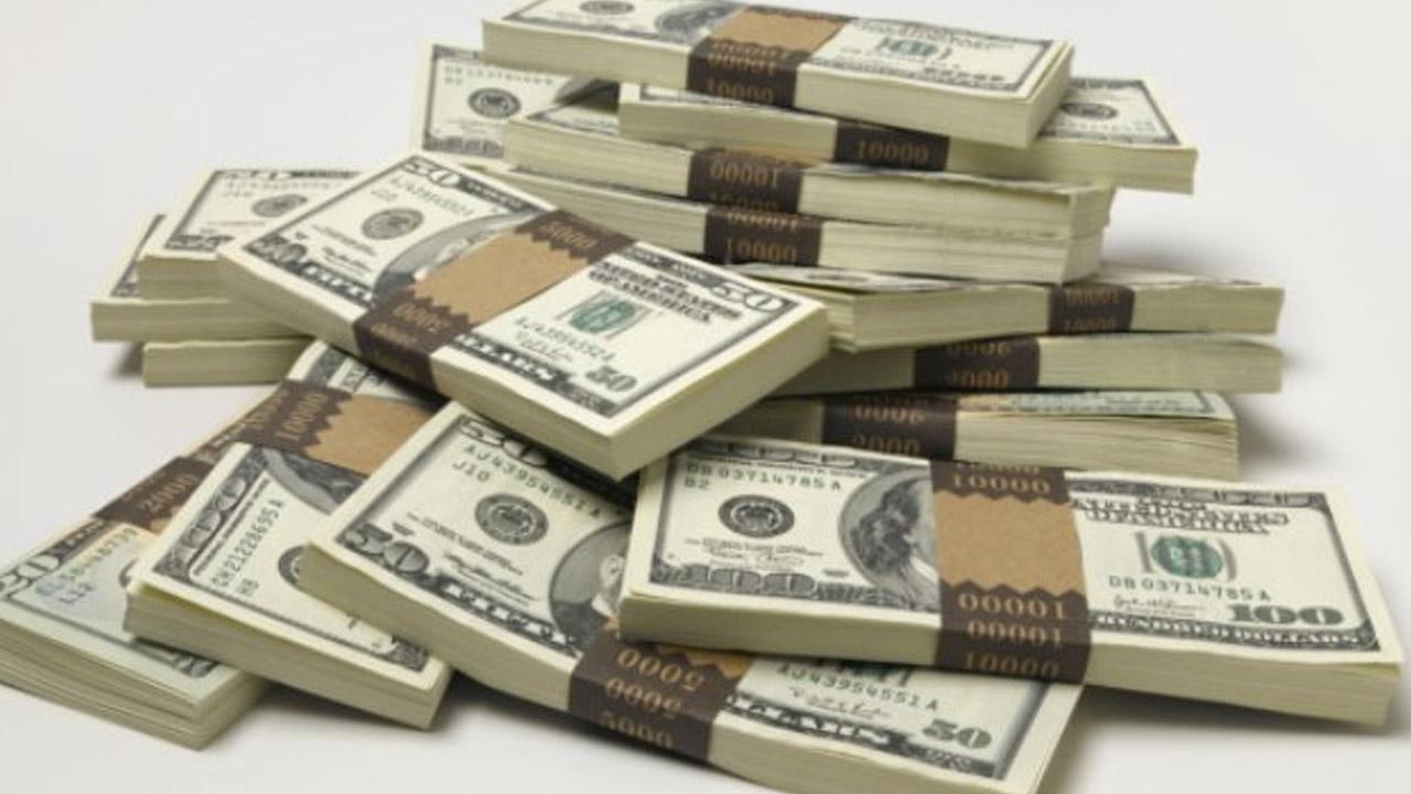 BNR forţează prin politica monetară scăderea costurilor finanţărilor în lei