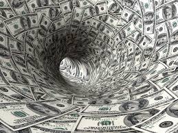 Scădere generalizată a marjelor de dobândă în sectorul bancar în august