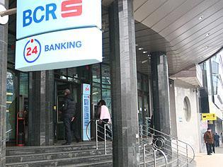 BCR report: încă 7 zile aproape de clienţii săi