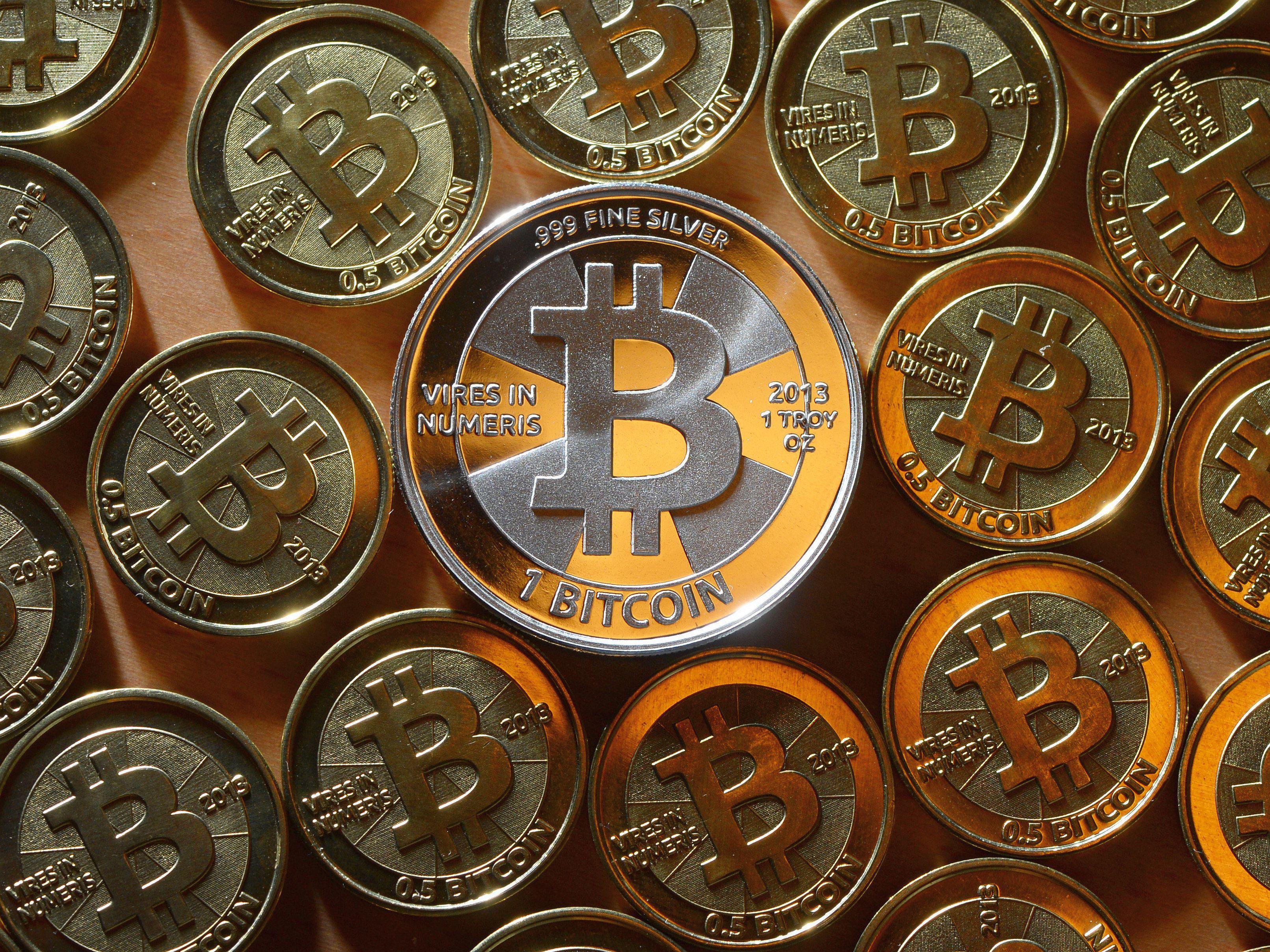 XTB: Bitcoin a depășit 50.000 de dolari pe unitate, pentru prima dată în istorie