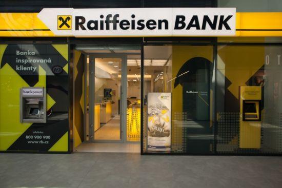 """Raiffeisen Bank a fost desemnată """"Banca Anului 2016"""" în România"""