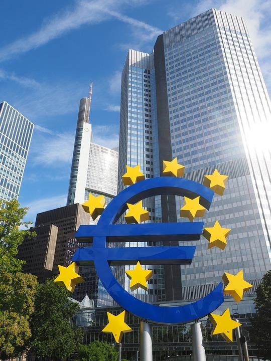 Guvernul ignoră BCE de parcă ar fi economia de piaţă