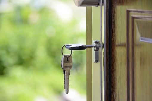 Derularea în continuare a Programului Prima Casă ar impune acceptarea ipotecilor la refinanţare