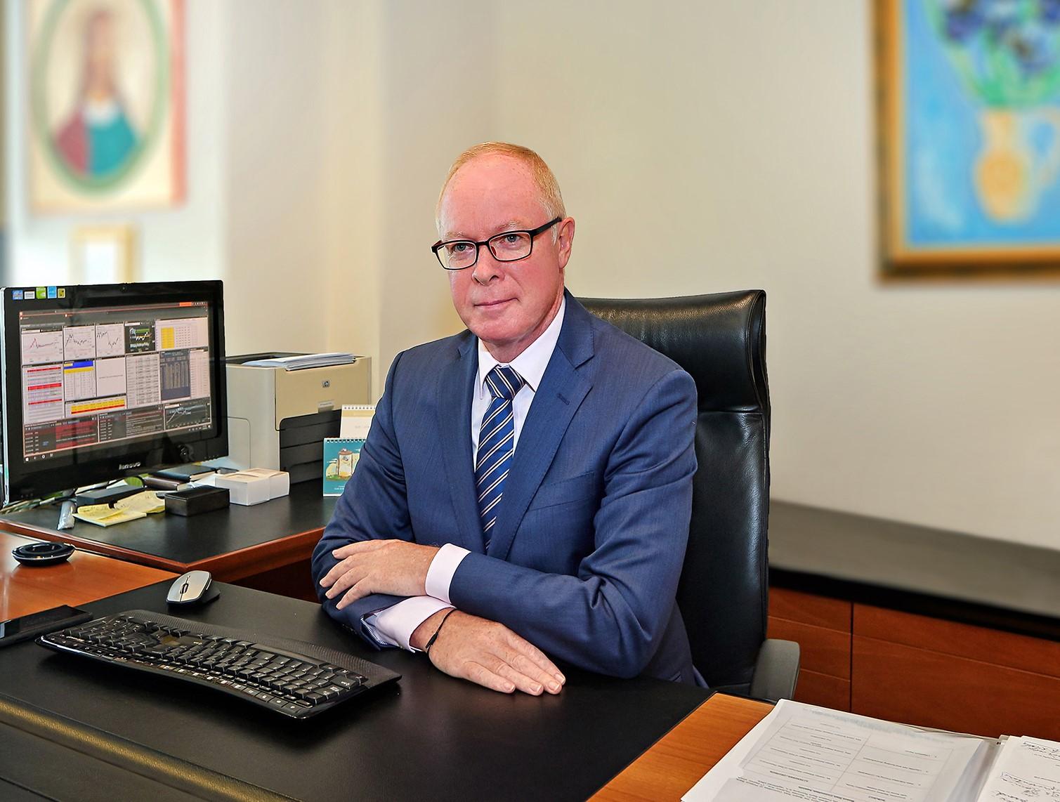 FIRST BANK investește 7,5 milioane de euro în tehnologie