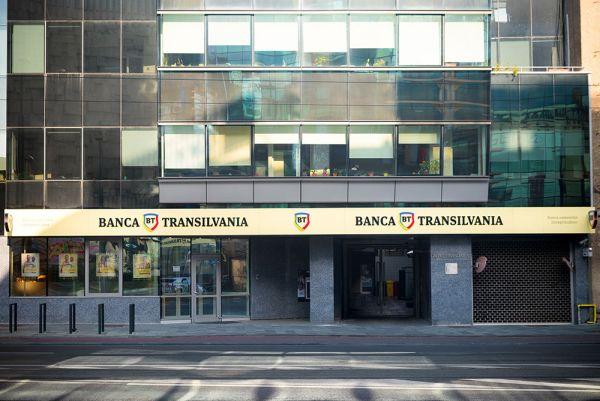Surpriza Băncii Transilvania de BANK Friday, pentru 15 noiembrie: 50 de autoturisme full electrice noi, în leasing, cu dobândă zero