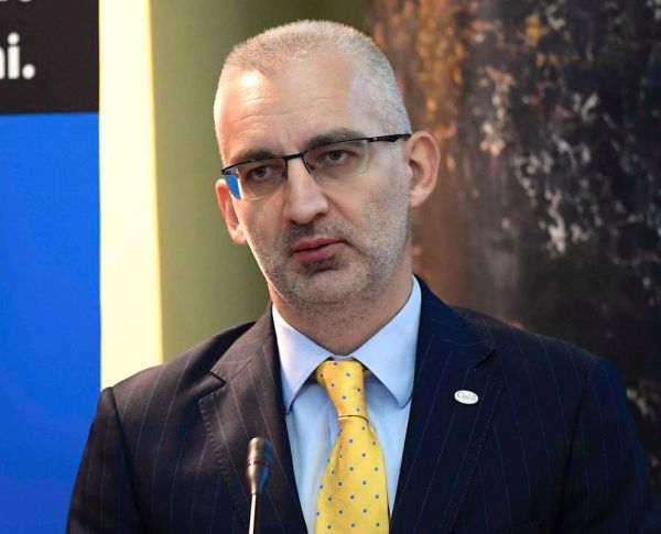 Număr record de cereri pentru negocierile cu băncile  în cadrul CSALB