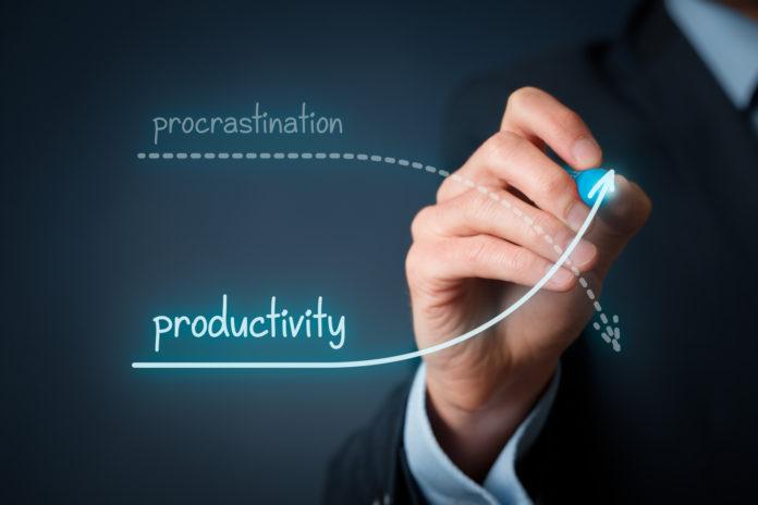 Productivitatea pe salariat după tipurile de întreprinderi – comerțul înaintea industriei