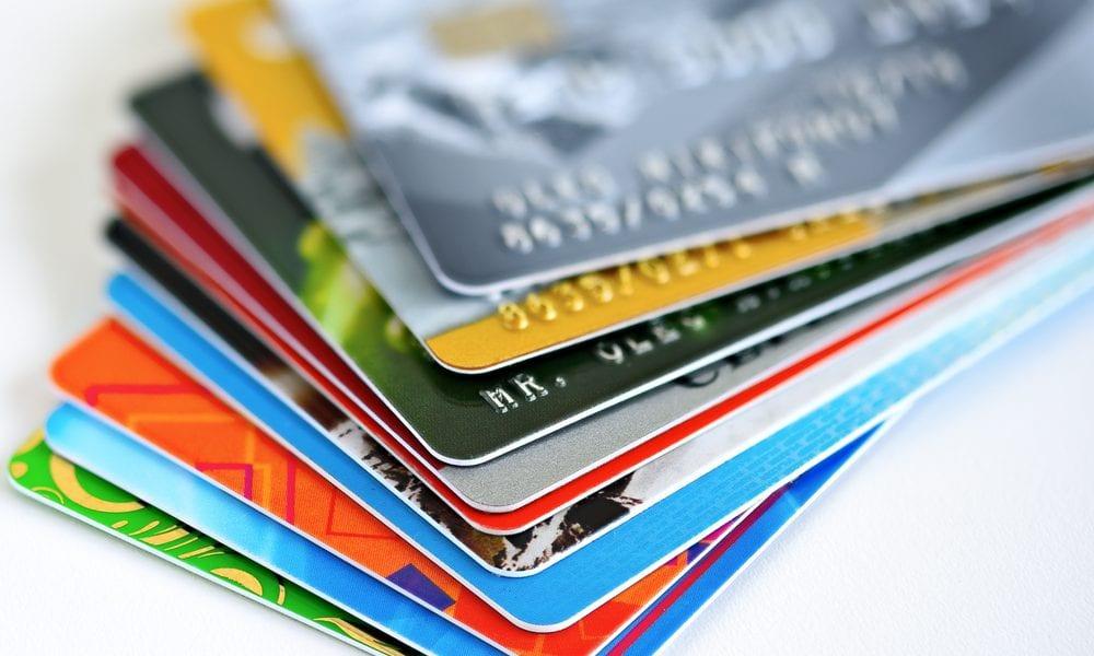 #Dreptullabanking: Valoarea tranzacțiilor cu cardurile de credit s-a dublat în 4 ani