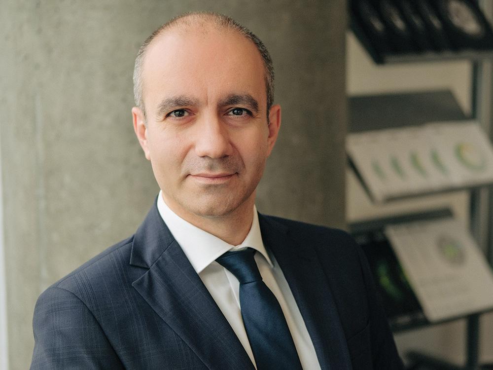 Studiu Deloitte: Directorii financiari din România se așteaptă la o scădere masivă a cererii, la reducerea veniturilor și a numărului de angajați