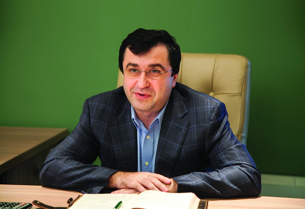 """Cristian Erbașu, antreprenor: """"Tatăl meu a gândit toate afacerile pe o perioadă lungă, pentru generații. La fel ca şi părinţii noştri, atât eu, cât și fratele meu, unchiul meu şi ceilalţi acţionari, avem sentimentul că NOI aparținem acestor firme și nu că firmele ne aparțin nouă"""""""