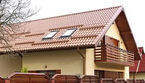 N-ai bani de acoperiş? Plăteşte-l în rate, cu credit de la bancă…