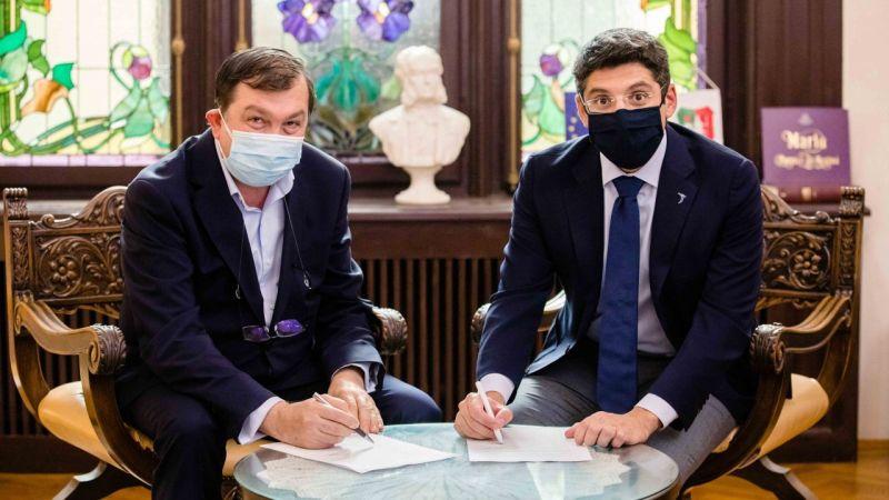 """Universitatea de Medicină și Farmacie """"Carol Davila"""" din București (UMFCD) şi compania Johnson & Johnson România anunță semnarea unui parteneriat în domeniul e-Health"""