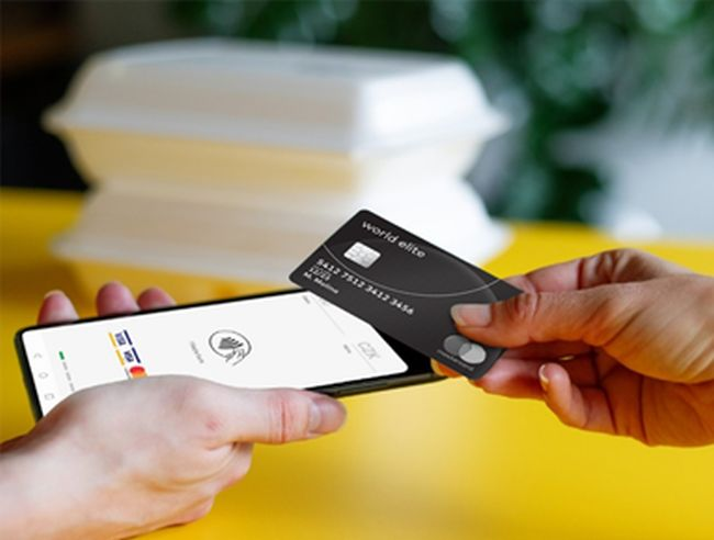 GP Tom, cea mai nouă aplicație de acceptare a plăților disponibilă în România, transformă telefonul mobil în terminal de plată