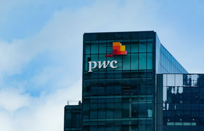 PwC, prima firmă de consultanță care a deschis un birou local, aniversează 30 de ani în România