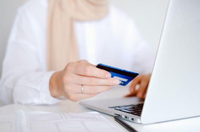 Topul creditelor online: de la cele mai rapide la cele mai greu de accesat. Ce IFN-uri acordă banii pe loc?