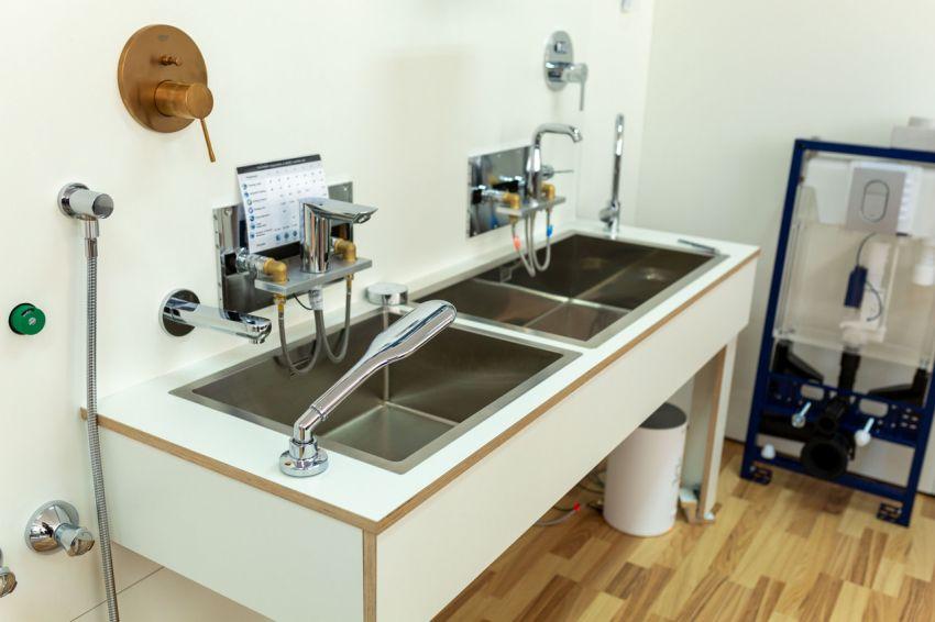 GROHE instruiește viitorii instalatori împreună cu Facultatea de Inginerie a Instalaţiilor din Cluj și modernizează laboratorul pentru studenții acesteia
